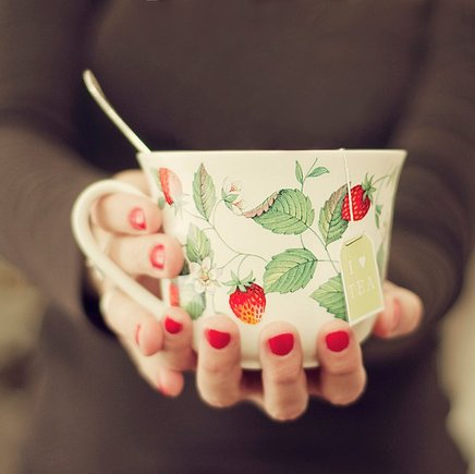 rsz_strawberry-tea-cup