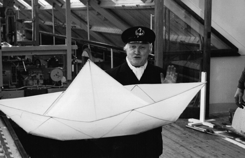 PAPER_BOAT_MODEL_TESTING_GLASGOW_1989_Large