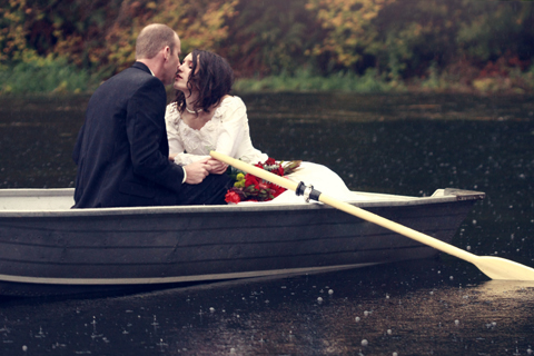 love-couple-cute-boat-kiss-kissing-TheSuiteworld