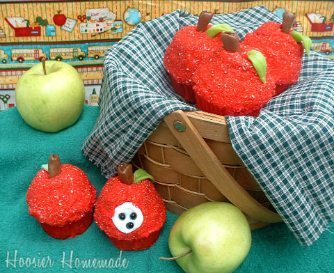 Back-to-School-Apple-Cupcakes.2