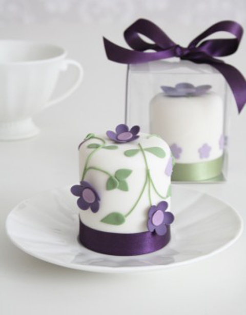 Mirabelle-Mini-Cakes-300x384