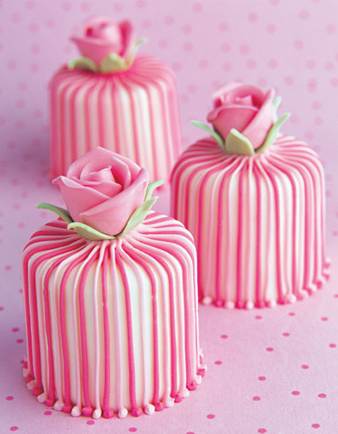 Stripy-Rose-Mini-Cakes-2