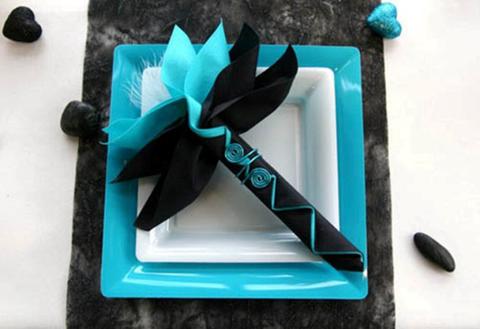 napkins-table-decorations-black-turquoise-colors